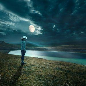 Lunar Cycle, Lunar Mood: Kundalini Yoga for a Balanced Monthly Flow
