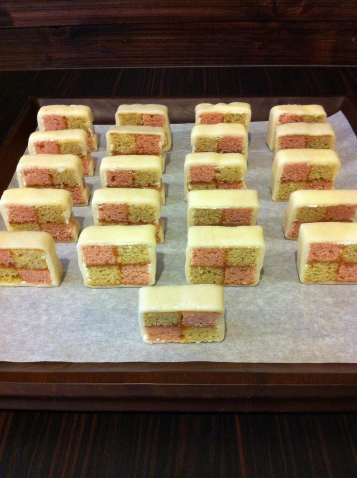 81 best images about BATTENBURG CAKES on Pinterest | Irish ...