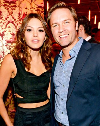 Aimee Teegarden and Scott Porter