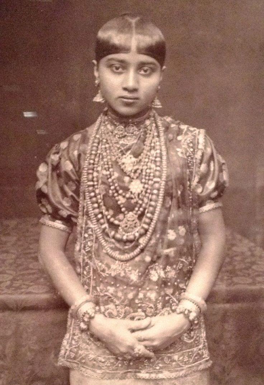 Kandyan Cheif's Daughter Skeen & Co., Ceylon c.a. 1880