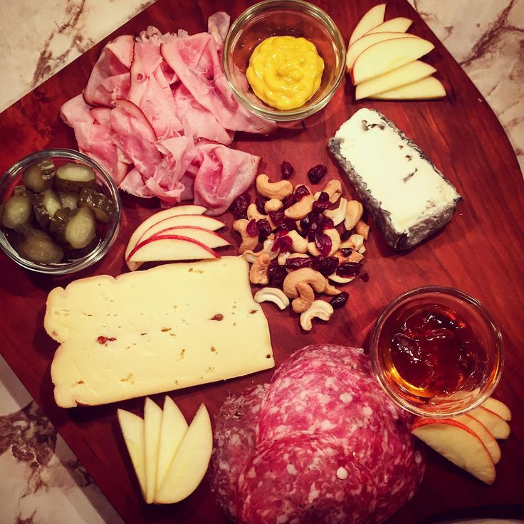 How to make a charcuterie board.