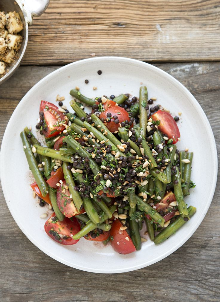 bohnen linsen salat tomaten sommer garten vegan. Black Bedroom Furniture Sets. Home Design Ideas