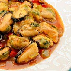 Готовим мидии в томатном соусе: полезный деликатес - Woman's Day