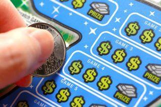 Как заранее узнать выигрышные номера лотереи? В лотерее можно за очень небольшие деньги сорвать большой куш. Это самый простой способ навсегда решить все свои проблемы и получить жизнь своей мечты.  Но ведь джет-пот выигрывают лишь единицы, и шансы на выигрыш крайне малы? Можно ли действительно заранее узнать выигрышные номера лотереи и выиграть? Читайте дальше! | http://omkling.com/vyigryshnye-nomera-loterei/