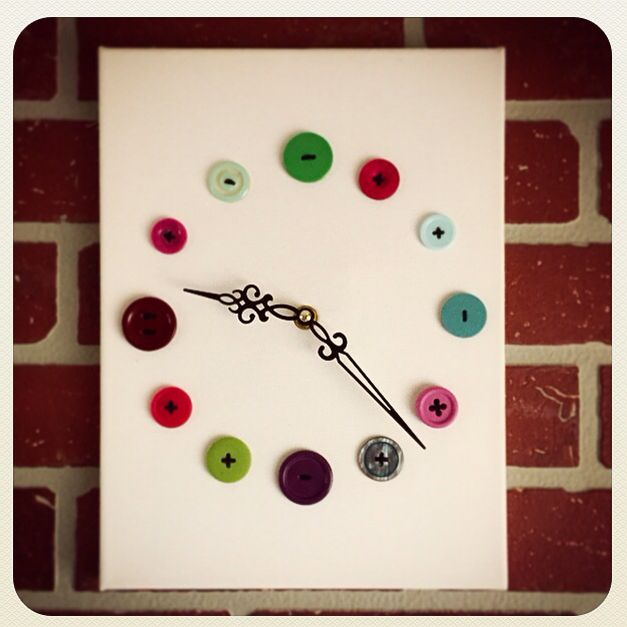 Horloge faites de boutons / clock made with buttons