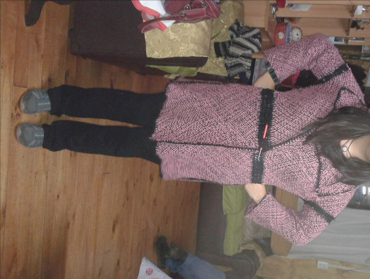 Abrigo hecho con 10 cuadrados 40x40 terminaciones en crochet