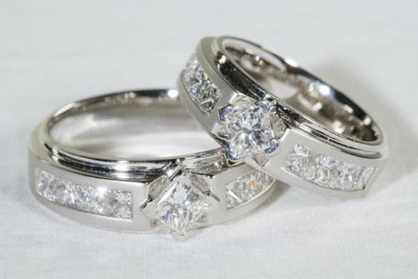 7 Ciri Berlian Asli untuk Cincin Pertunangan