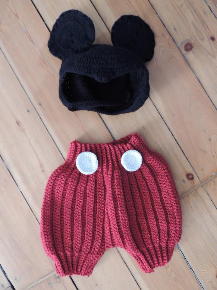 cacaboudin! de bien jolies choses au crochet pour les petits  déguisement mickey au crochet!