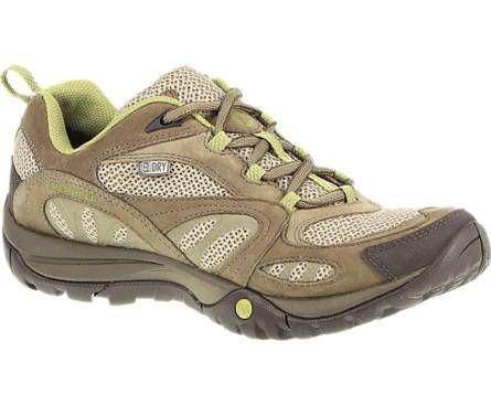 Merrellin urheilullinen Azura Waterproof -kenkä on saumoistaan tiivistetty. Suositushinta 120,00 euroa. #merrell