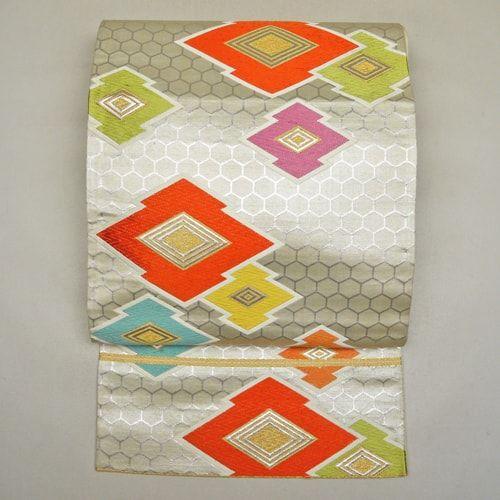 Silver, silk fukuro obi / 松皮菱文をあしらった凜としたたたずまいの袋帯 #Kimono #Japan http://global.rakuten.com/en/store/aiyama/