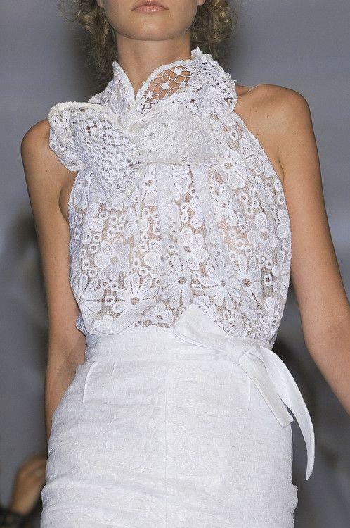 Maurizio PecoraroS/S 2011: Fashion Couture, Lace Tops, White Fashion, Pecoraro Milan, White Lace, Lace Flower, Spring 2011, Lace Dresses, Lace Fashion