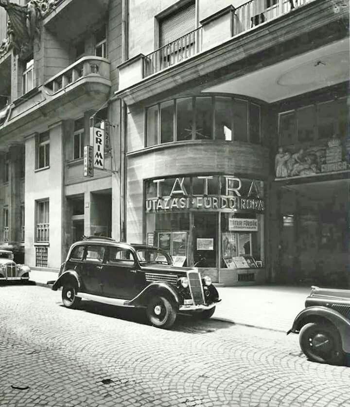 1940 körül. Dorottya utca 2, Futura ház.