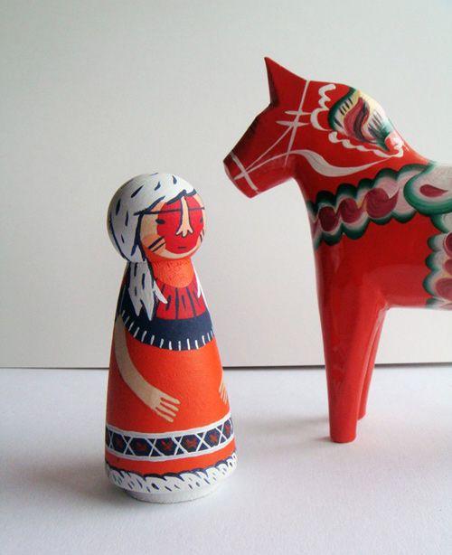Hinterfolk, (dolls made by Jess Hunt), post on Design*Sponge.