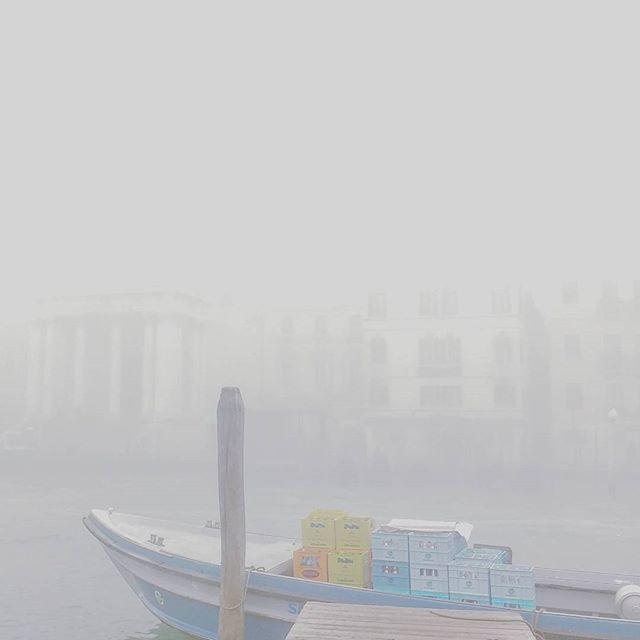 11.24 a.m.  #venezia #venice #fog #nebbia #foggyday #italy #november #fogvenice #foginvenice