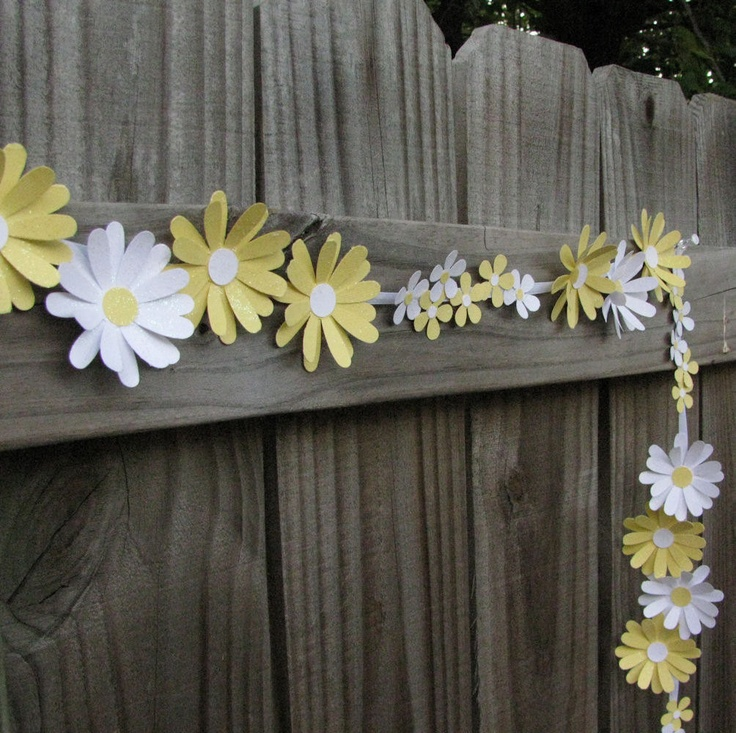 Yellow And White Paper Daisy Chain. $12.95, via Etsy.