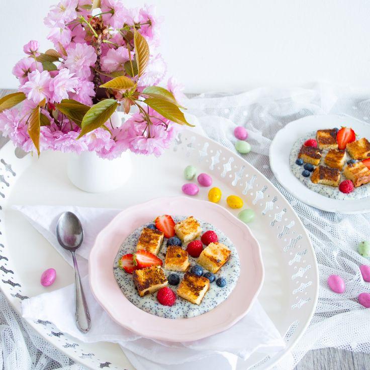 Vanilkovo-makový žloutkový krém s karamelizovanými krutony a ovocem/Vanilla and poppyseed custard with caramelised croutons and fresh fruit