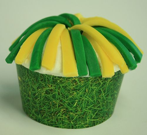 Pom Pom Cupcakes: Cheerleading Packers, Cheerleading Cupcake, Future Cupcakeri, Cupcakes Great Ideas, Pom Pom Cupcake, Cupcake Cheerleading, Cheer Cupcake, Greenbay Packers, Cheerleading Pom
