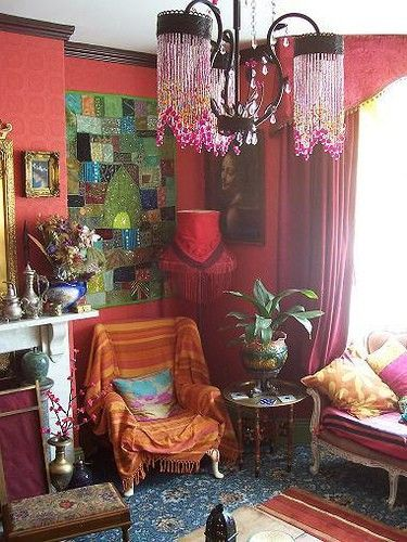 Bohemian beauty: Bohemian Interiors, Lights Fixtures, Wall Hanging, Red Wall, Colors, Bohemian Living Rooms, Bohemian Decor, Bohemian Style, Gypsy