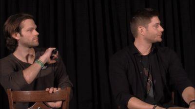 JaxCon Jared Padalecki e Jensen Ackles FULL Painel 2016 Supernatural em fazer um GIF