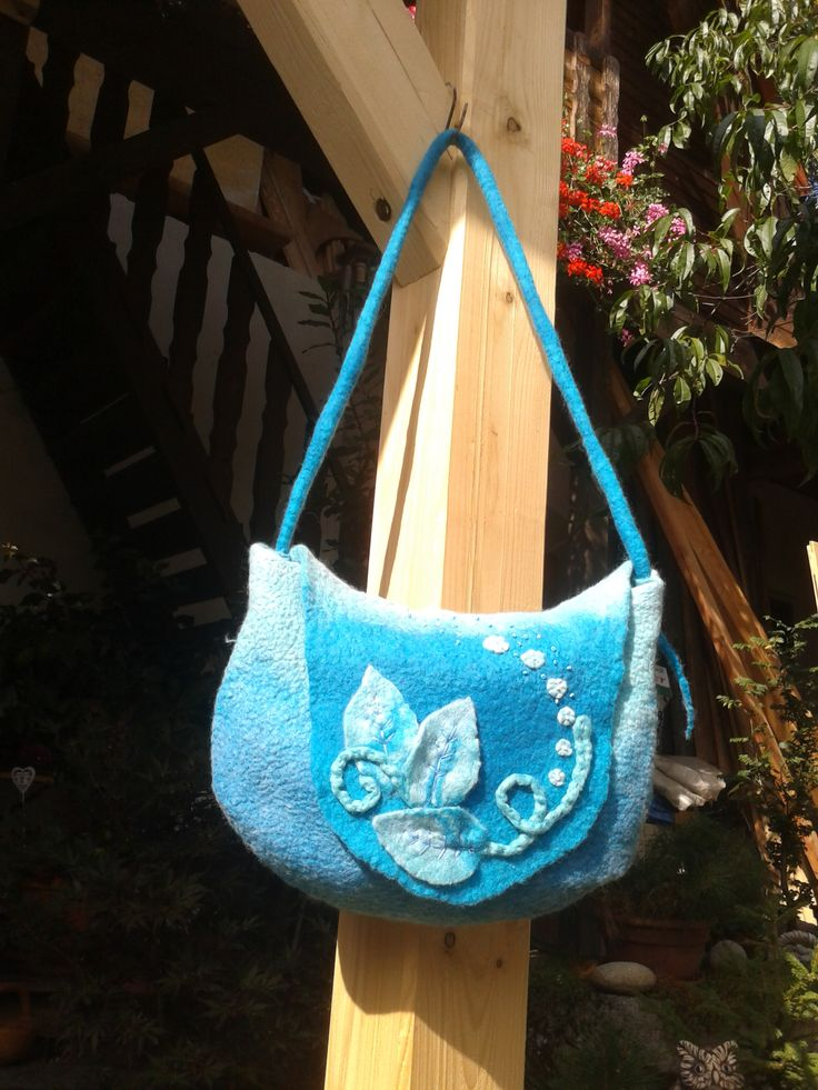 Originál tyrkysová kabelka vyrobená technikou mokrého plstění