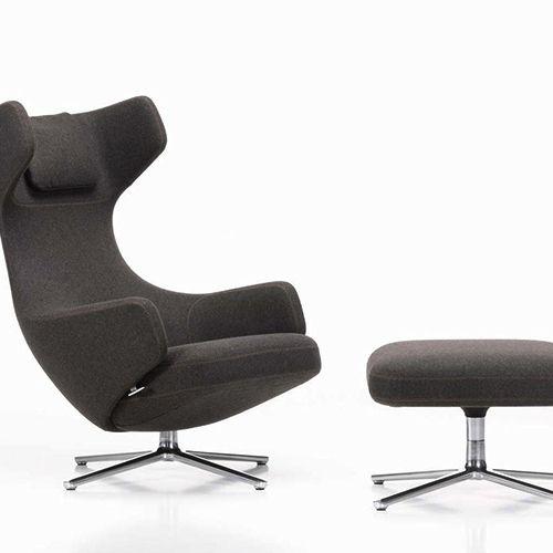 Grand Repos-stolen fra Vitra byder på komfort uden at optage alt for megen plads i stuen, i loungeområdet eller på chefkontoret. #kontormøbler #kontor #kontorindretning #loungemøbler #loungestol #lænestol