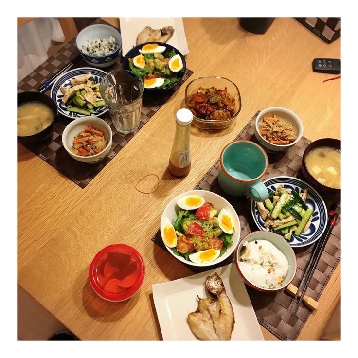 10/30 早い帰宅でふたりごはん。 #のどぐろの塩焼き #きゅうりと蒸し鶏の中華和え #春雨サラダ #サラダ #味噌汁 #おにぎりin茶碗
