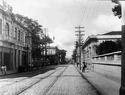 1914   Inicialmente chamada de Miguel Carlos, a Florêncio de Abreu começa no Largo de São Bento, região da Sé, e vai até as proximidades da Igreja de São Cristóvão,já no bairro da Luz