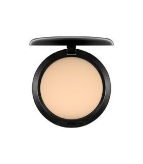 Studio Fix Foundation  #mac #bestseller #beauty #makeup #skincare #wishlist #fashion #editorial #lipstick #lipgloss #foundation #studio #salon #matte #oilcontrol