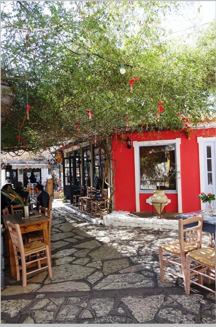 """Καφέ Μεζεδοπωλείο «Σαϊτάν Παζάρ» στην Πρέβεζα / Café and Meze bar """"Saitan Pazar"""" in Preveza, Greece"""