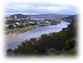 Groot Brak: This little village, just a few kilometres from both Mossel Bay and George, is without doubt tranquil and beautiful.It has unspoilt beaches, a lagoon that is safe to swim in and generous sea views. The stillness experienced along the banks of the Great Brak river, which also offers a number of picnic spots, has led to this little town being much sought after by those wanting to escape it all. The lagoon mouth is divided into two sandy channels with a small island between them.