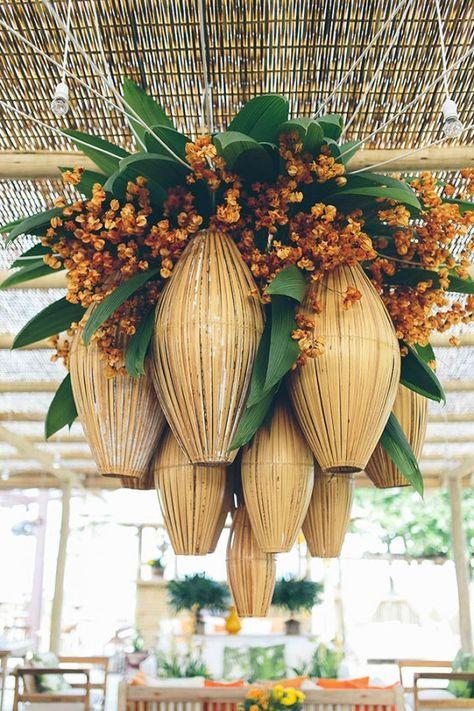 Tropical chandelier   Photo by Duo Borgatto