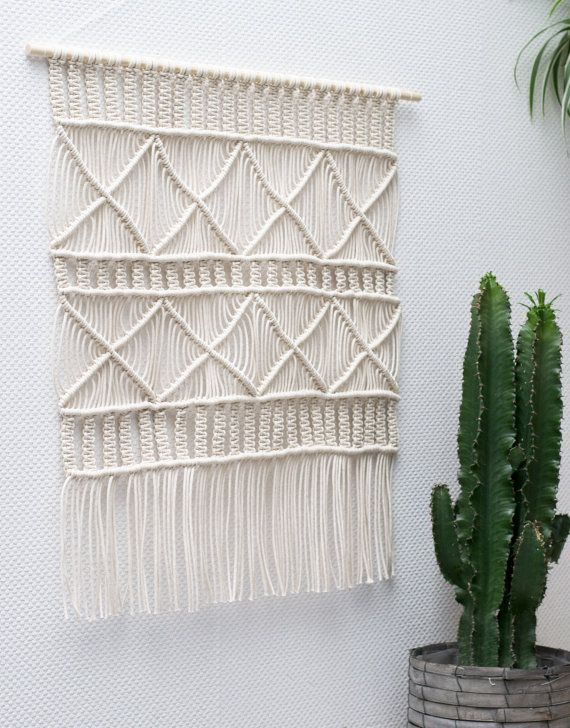 17 best ideas about Macrame Wall Hanging Tutorial on Pinterest ...