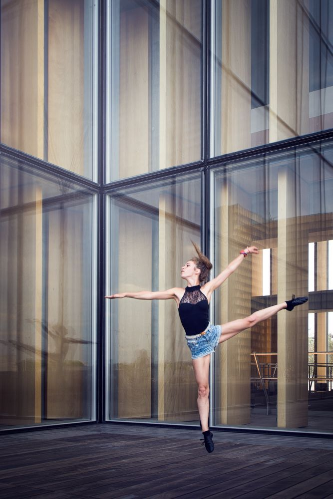 Modern dance by Robin Chaumette on 500px