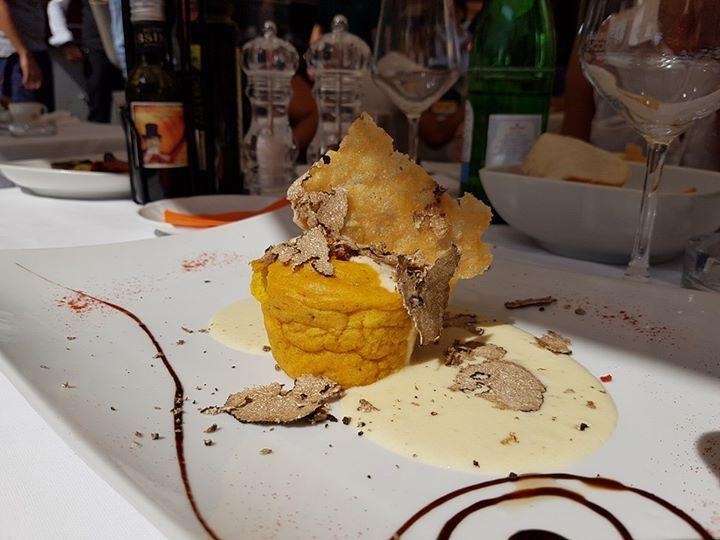 Tornare a Parma ha qualche lato positivo  Tortino di patate rosse con tartufo…