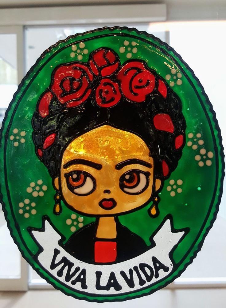 Frida Vetrofania realizzata con window colors  Associazione ColoriAmo Vivere di Colori