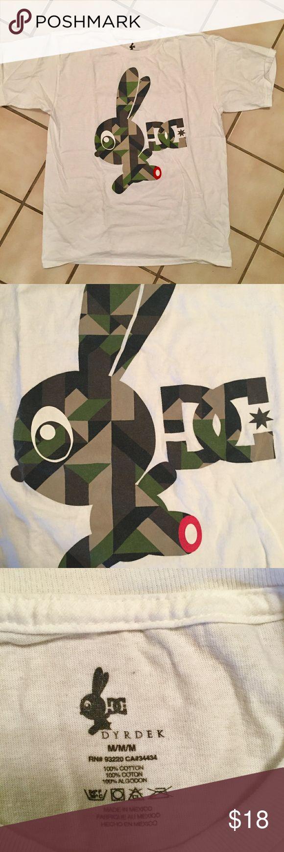 DC ROB DYRDEK MENS SKATE SHIRT!!! DC Rob Dyrdek men's skate t-shirt size M. White with camo bunny. Great condition- no stains, pulls or rips. DC Shirts