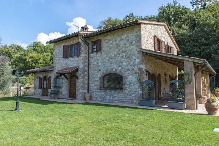 Property for sale in Umbria, Perugia, Todi, Italy - Italianhousesforsale - http://www.italianhousesforsale.com/view/property-italy/umbria/perugia/todi/2301194.html