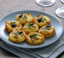 Recette - Mini-tartelettes fines aux oignons et anchois façon pissaladière - Notée 4.3/5 par les internautes