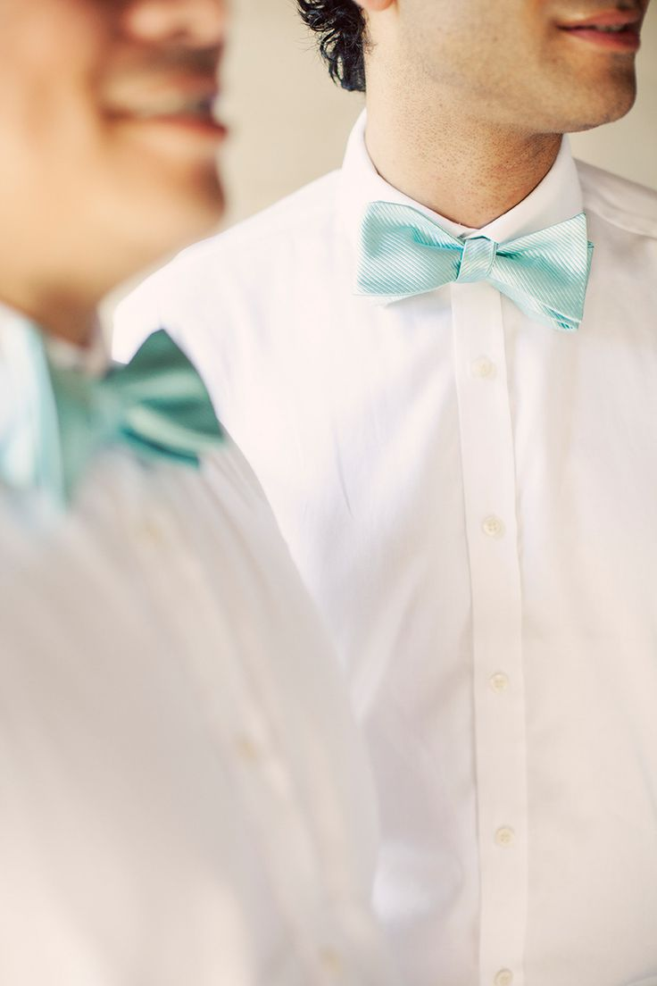 Turquoise Bows | Photography: Erika Gerdemark - www.gerdemark.com/ | #Turquoise #Weddings | Turquoise and Pink Wedding Ideas | https://www.fabmood.com/pink-and-turquoise-wedding-ideas #weddingpalette #turquoisewedding #weddingideas