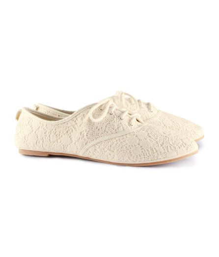White Lace oxfords...WANT!