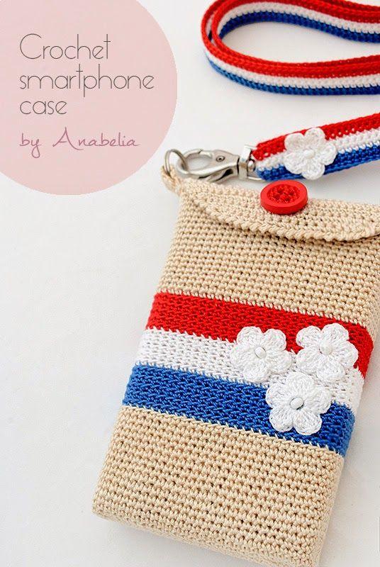 Crochet smartphone cover Paris, by Anabelia