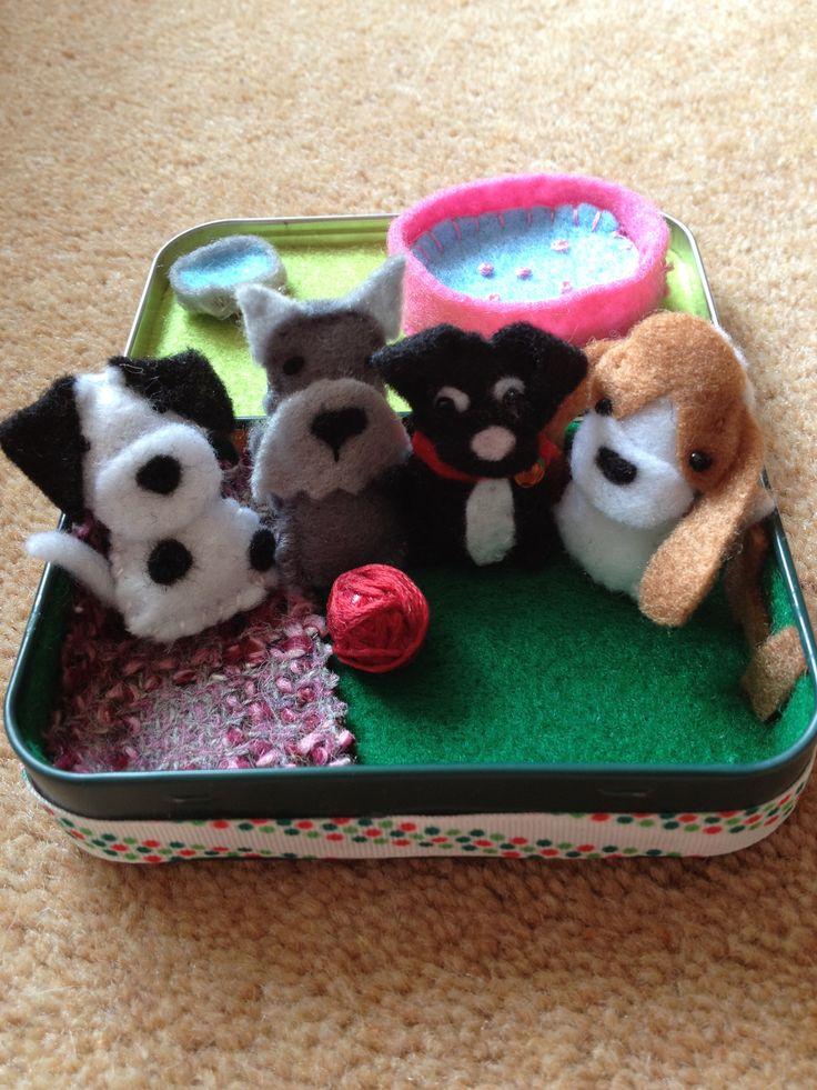 Felt Puppy play set in an altoid tin.