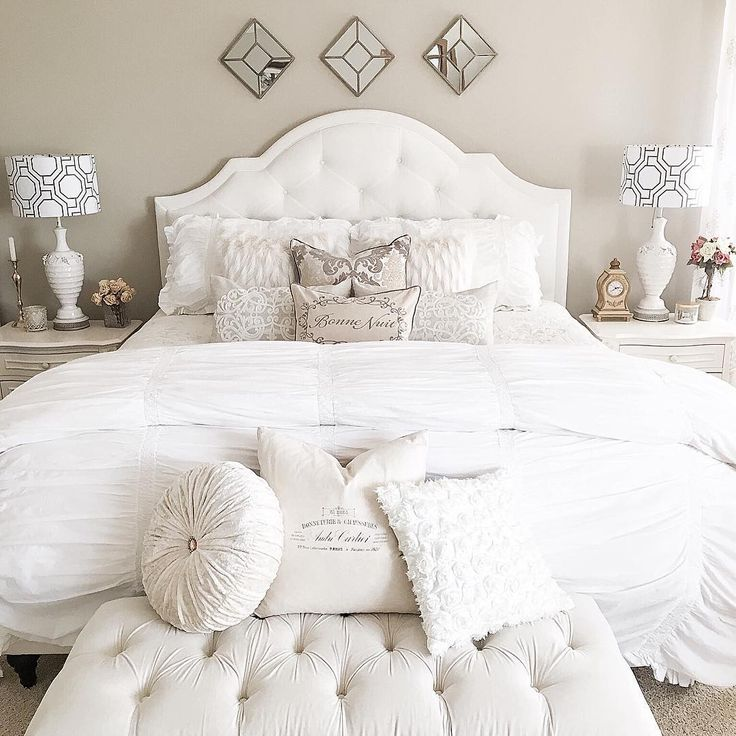 """From kimkhazelI on IG """"was asked to share my bedroom by my sweet and talented friend Jennifer @thegracehouse for the hashtag #myfavoritehouseview that she is co hosting this week with another sweet friend Ashley @mydecorspace_ Also sharing for a few other fun Friday hashtags #myfavpicfriday by the adorable #thedesigntwins , #fabframesfriday which is about mirrors this week, also #myfabfindfriday as I found this bench in a consignment shop."""""""