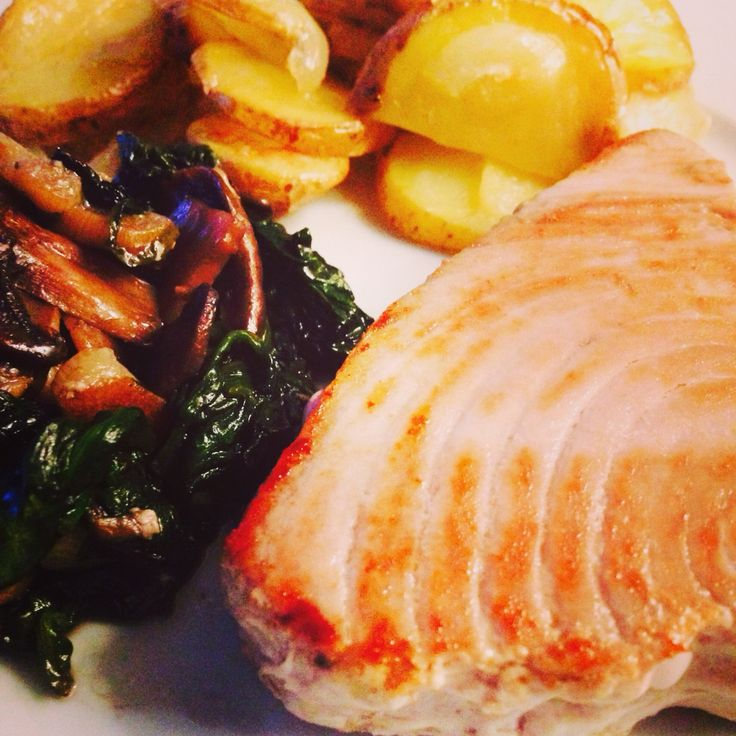 Grilled salmon with a side of baked potatoes, spinach&mushrooms!