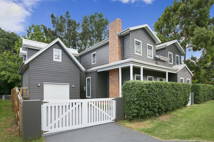 Grand Pacific Homes. Weatherboard House.
