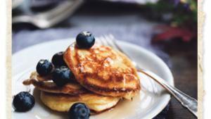 Klassiske pandekager kan varieres i en uendelighed. Denne pandekageopskrift er med et lidt utraditionelt fyld, men kan sagtens skiftes ud med sukker og syltetøj.