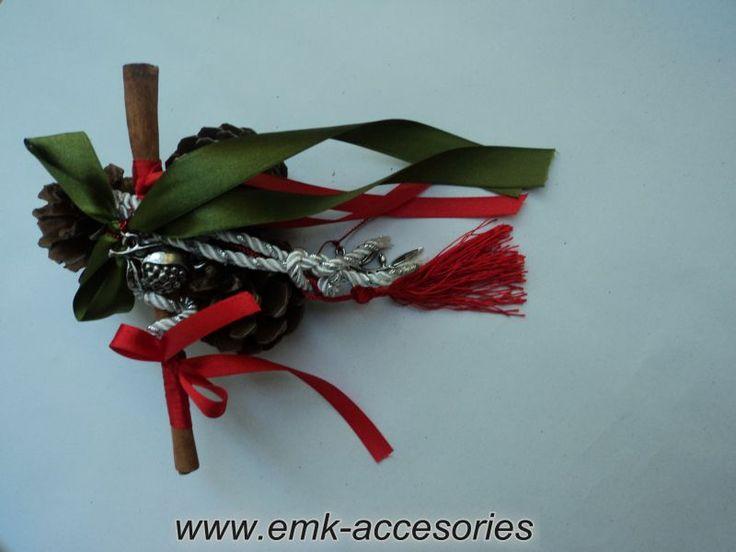 Γούρι για δωράκι αλλά και για το χώρο σας σε προσιτή τιμή και σε άριστη ποιότητα...από τα emk accesories..Καλές Γιορτές...