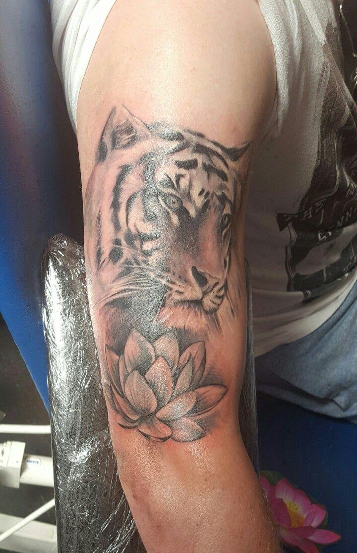 Black white tiger, lotus, tattoo, sleeve, scoobs tattooist