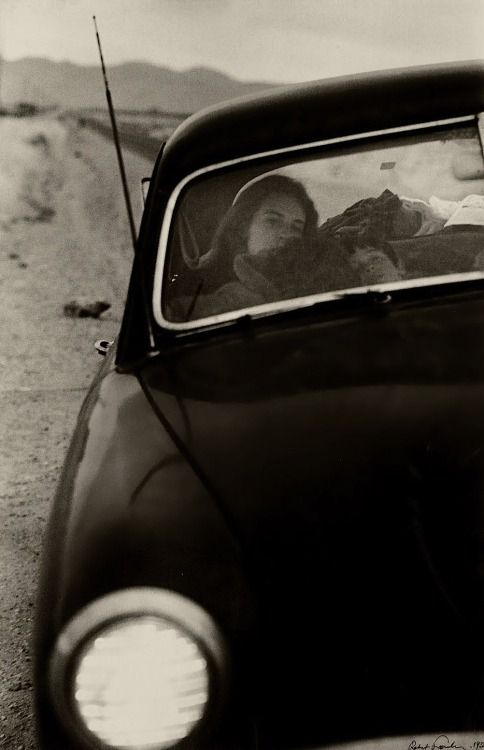 Robert Frank U.S. 90 en route to Del Rio, Texas, 1955