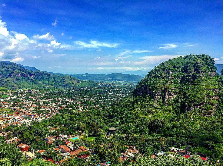 Las vistas de Quetzalcoatl 🦅🌳🏞 #méxico #malinalco #pueblomagico #skyline #awesome #paisaje #mountainlife #mexicas #picoftheday #bestphotooftheday